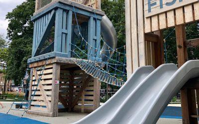 Playground Survival: St. James Park